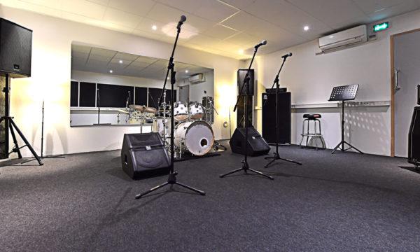 Luna Rossa Studio B web 1