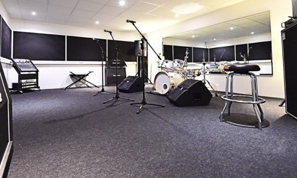 Luna Rossa Studio B web 2
